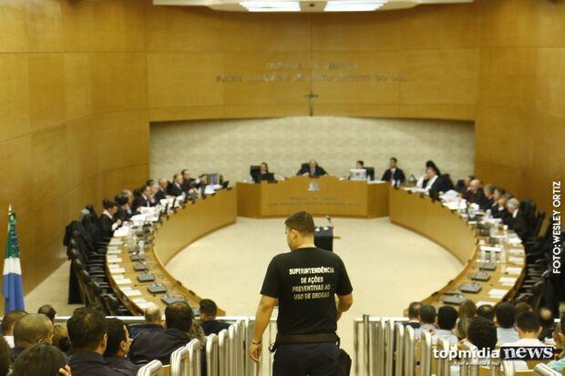 """""""Novela continua"""": polícia municipal volta a ser guarda até julgamento"""