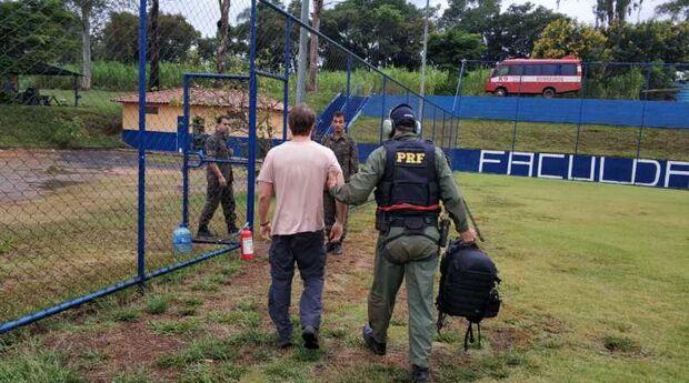 Equipe de MS da PRF prende homem por uso de drone irregular em Brumadinho