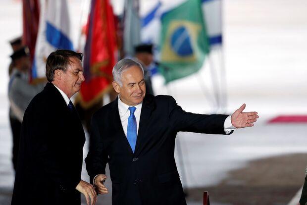 Bolsonaro chega a Israel e é recebido por Benjamin Netanyahu