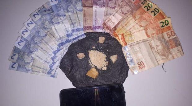 Bandido tenta subornar policiais e dois acabam presos por tráfico de drogas na Capital