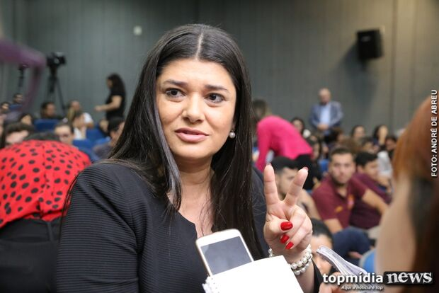 Deputada acompanha julgamento e critica Lei do Feminicídio: muito branda