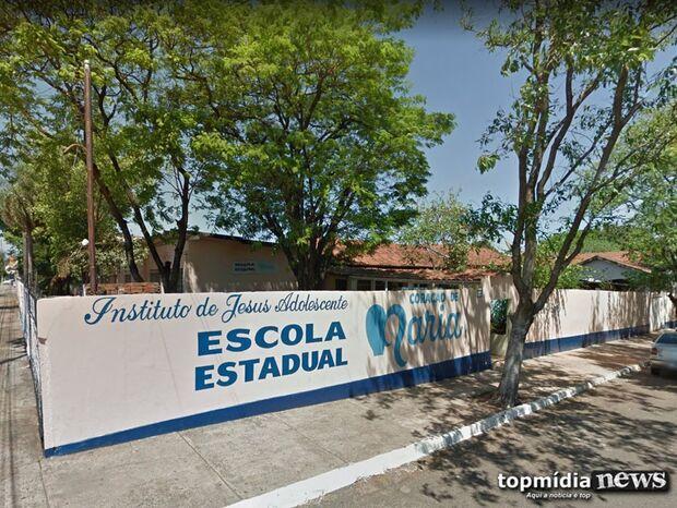 Pai denuncia escola que tenta obrigar alunos a participar de festa para homenagear santo