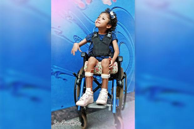 Carnaval é festa para todos e crianças cadeirantes vão ter matinê especial na Valu
