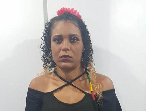 'Como se eu fosse flor você me cheira': mulher é presa com cocaína no Carnaval