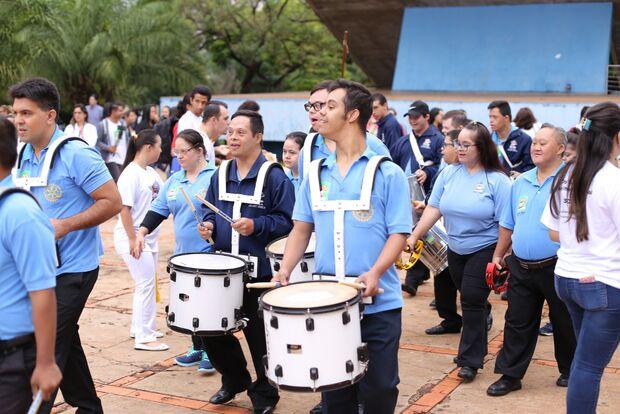 Com tema 'Ninguém fica para trás', Associação realizada 8ª Caminhada Down em Campo Grande
