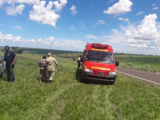 Condutora passa mal e perde controle de veículo em rodovia do MS