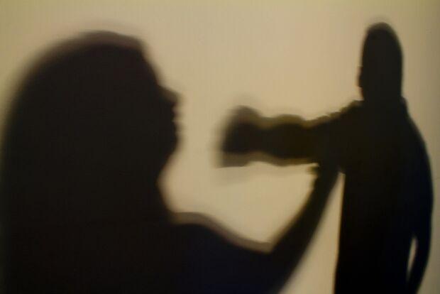 Homem ameaça e tenta asfixiar ex-mulher em MS