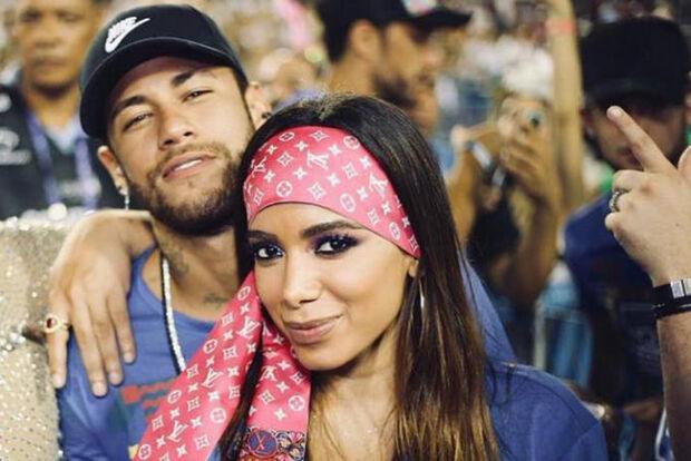 Anitta desmente affair com Neymar e diz não ser amiga de Bruna Marquezine