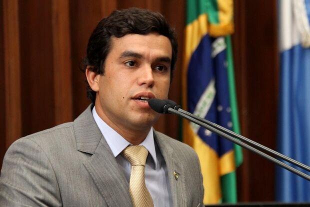 Beto Pereira lamenta tiroteio em escola e defende mudanças em políticas públicas para jovens