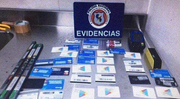 Golpistas profissionais: brasileiros são presos com 96 cartões falsificados no Paraguai