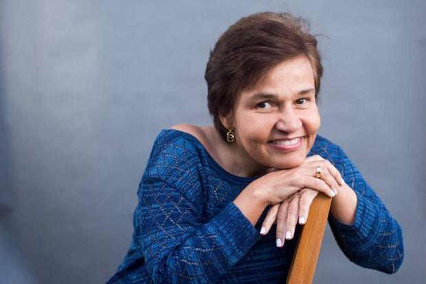 Humorista Cláudia Rodrigues deixa UTI de hospital em SP