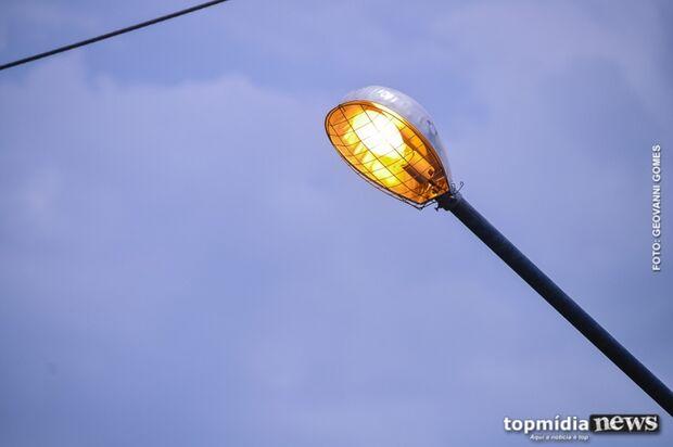 Para reduzir conta de luz, vereadores pressionam por revisão da taxa de iluminação