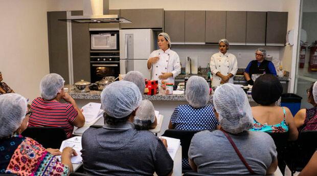 Programa Cozinha Experimental abre agenda de cursos de culinária