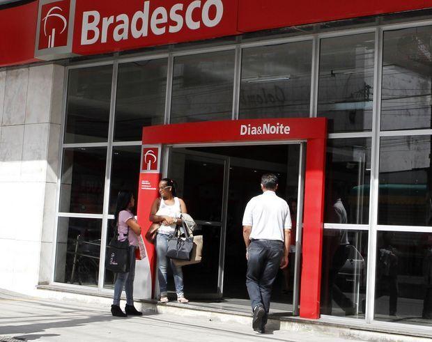 Procon cobra banco por atraso em depósitos de salários de servidores municipais