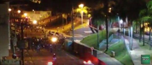 Vídeo: foliões são dispersados com bombas após Enterro dos Ossos na Capital