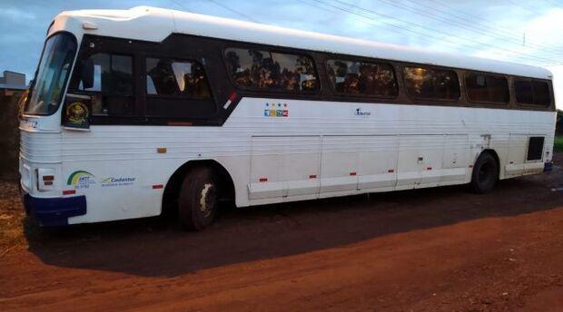 Ônibus carregado com mercadoria ilegal é apreendido pelo DOF