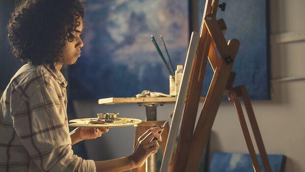 Oficinas gratuitas de pintura em tela são oferecidas no Horto Florestal
