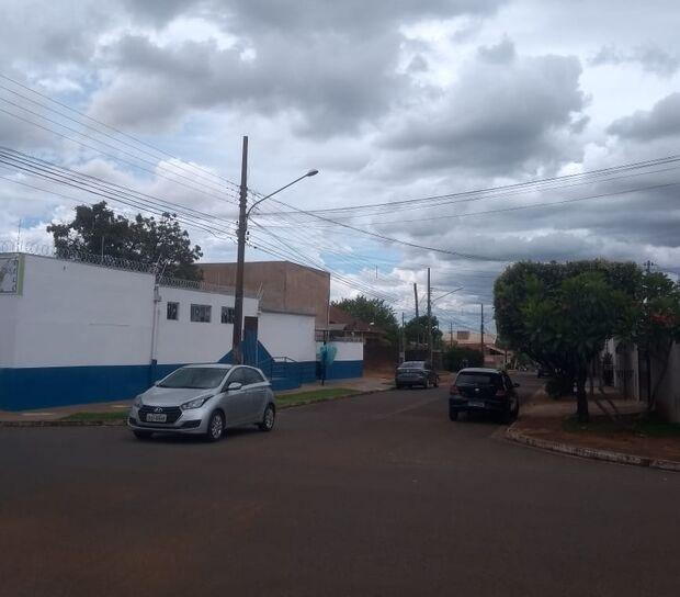 PERIGO NA RUA: escola vira point de acidentes no Tijuca