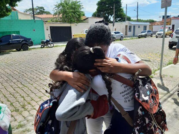 Aluna se finge de morta para não ser atingida durante tiroteio em escola