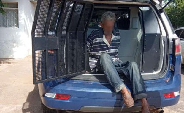 Idoso estupra irmãos de 5 e 10 anos e acaba preso em flagrante