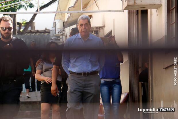 Na Lata: Puccinelli não larga o osso e quer prefeitura