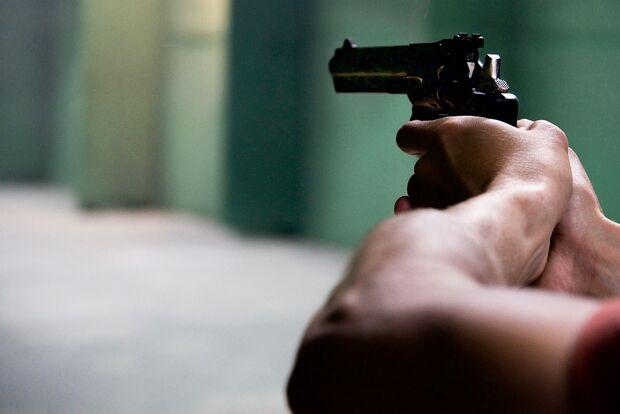 Filho mata o pai e se entrega à polícia no mesmo dia