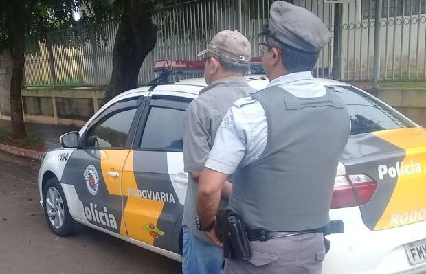 Idoso é preso com CNH falsa e confessa que pagou R$3 mil pelo documento