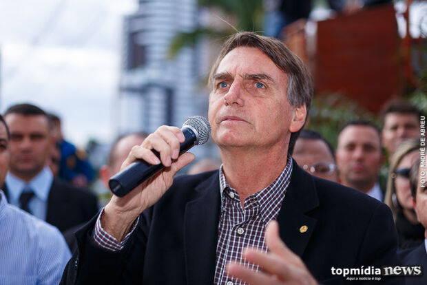 Bolsonaro usa declaração falsa para atacar imprensa