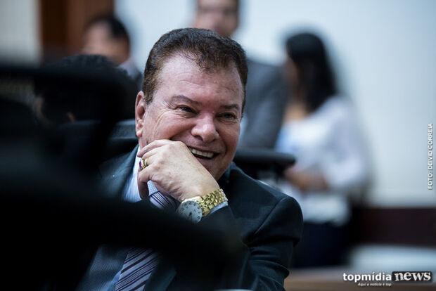 Na Lata: ex-deputado 'Picarelli do Céu' desce do salto e agora é gente como a gente