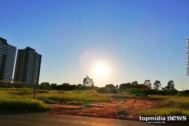 Capital acorda com sol e céu claro nesta quinta-feira; tempo instável permanece