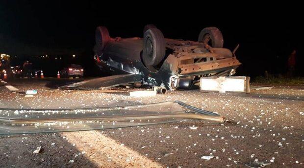 Idoso morre ao ser atropelado por vários carros em rodovia