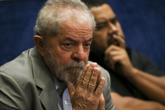 Arthur Lula da Silva, de 7 anos, neto do ex-presidente Lula, morre de meningite em SP