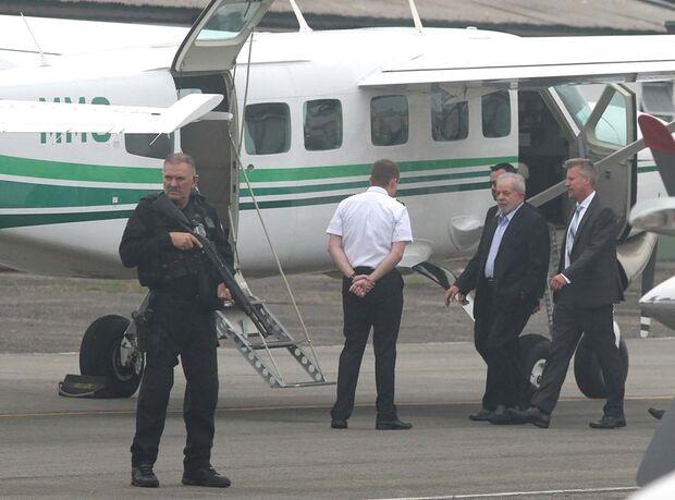 Lula chega a São Paulo para ir a velório do neto