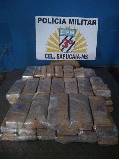 Polícia prende casal paranaense que transportava maconha e cocaína
