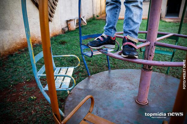 Voltando da igreja, criança é abusada por homem em plena luz do dia em Campo Grande