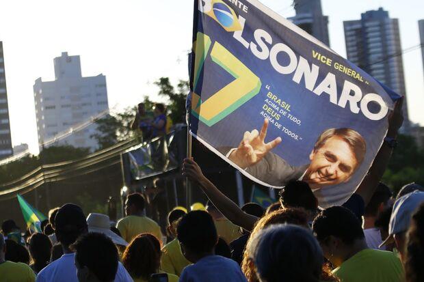 Bolsonaro entra em confronto com entidades federais por 'festejar' Golpe de 64