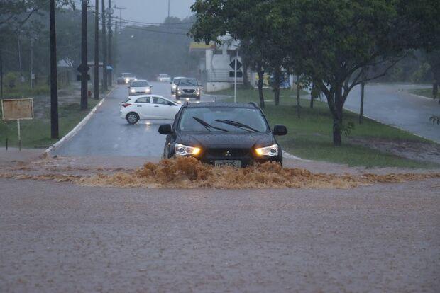 Meteorologia alerta para risco de enchentes em todo o MS