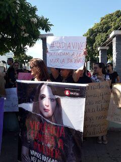 Morte de professora gera comoção e manhã é marcada por protesto em Corumbá