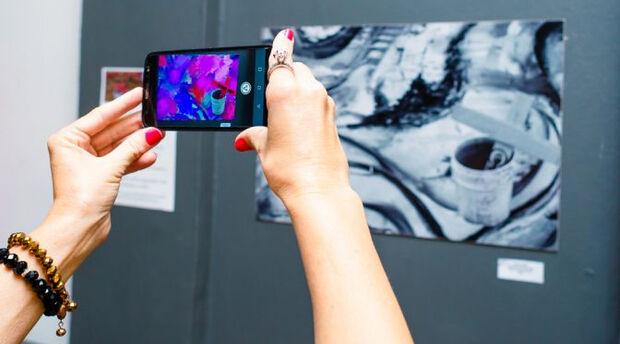 Exposição no Centro Cultural traz obras com interação pelo celular