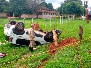 Em capotamento, airbag salva motorista da morte em MS