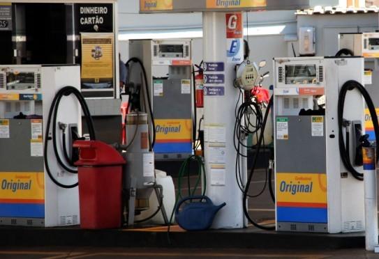Procon intensifica fiscalização e notifica 50 postos de combustíveis no interior de MS