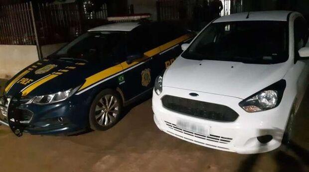 Menor é apreendido com veículo furtado e confessa que receberia R$3 mil pelo transporte