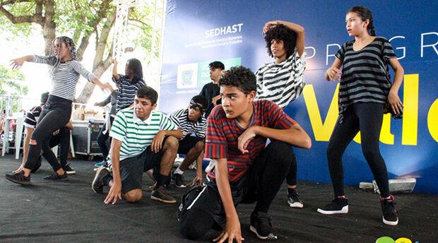 Jovens do Rede Solidária conquistam visibilidade e espaço no mercado de trabalho pela dança