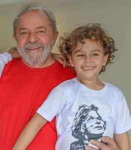 """""""Eu vou provar a minha inocência"""", disse Lula ao neto Arthur"""