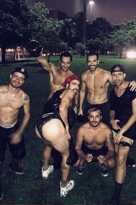 Caio Castro comenta foto polêmica: 'não era calcinha fio dental'