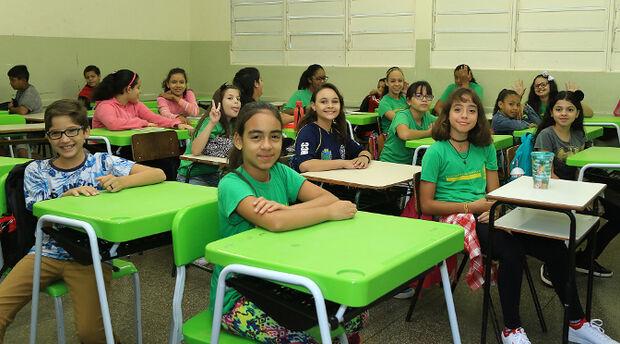 Entrega de kits escolares atrasa por problema com empresa desclassificada em MS