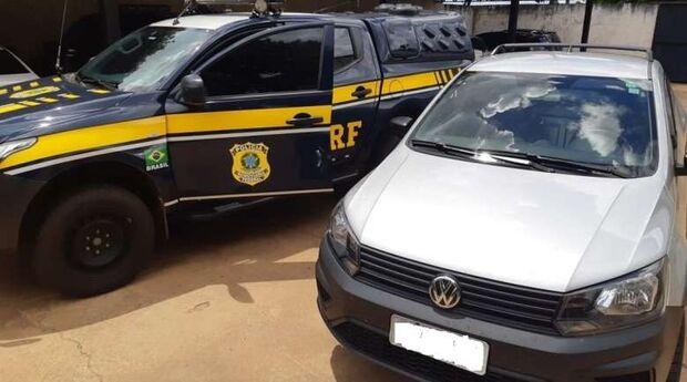 PRF recupera carro roubado na BR-060; motorista diz que comprou parcelado