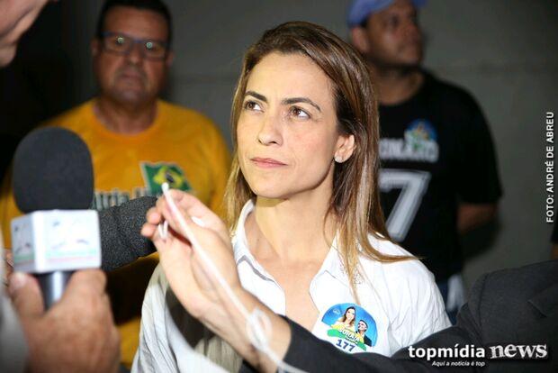 Na Lata: senadora de MS divulga fake news e acaba desmentida 'ao vivo' por Bolsonaro