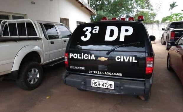 Motociclista rende idoso em avenida, aponta arma e rouba R$ 1,5 mil