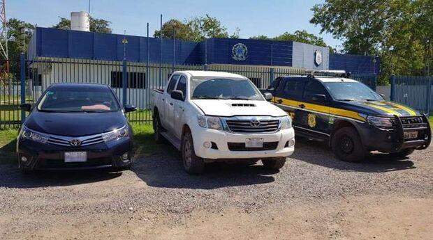 PRF prende trio de bolivianos com carros de luxo adulterados na BR-262
